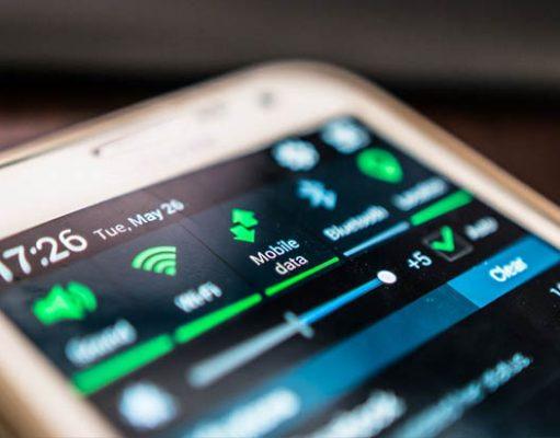 Statistics of mobile data usage