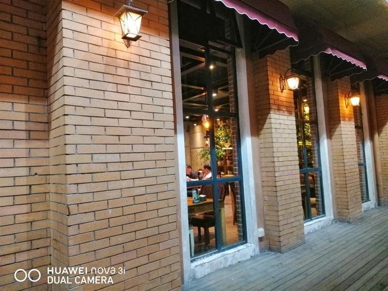 Huawei Nova 3i Camera low-light Sample Photos